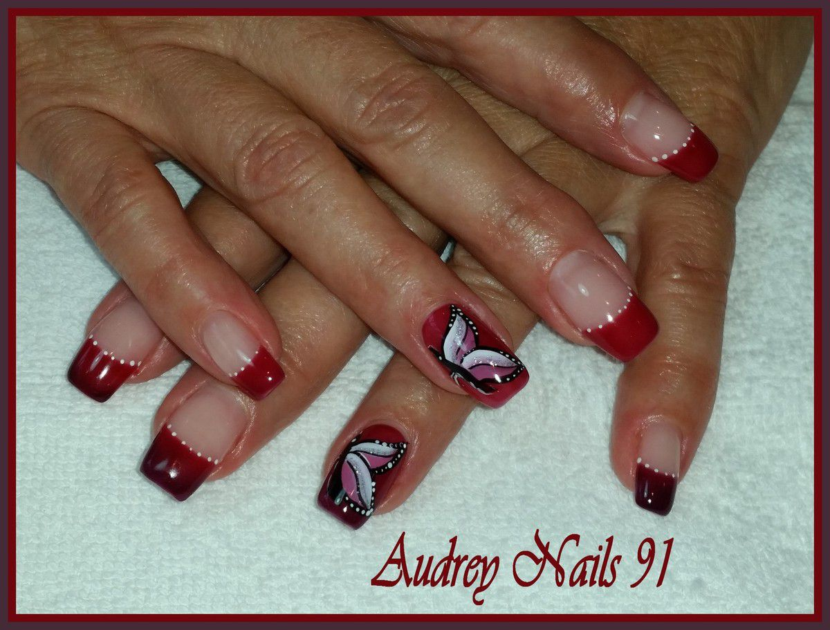 Ongles en gel rouge bordeaux - Photo ongle gel ...