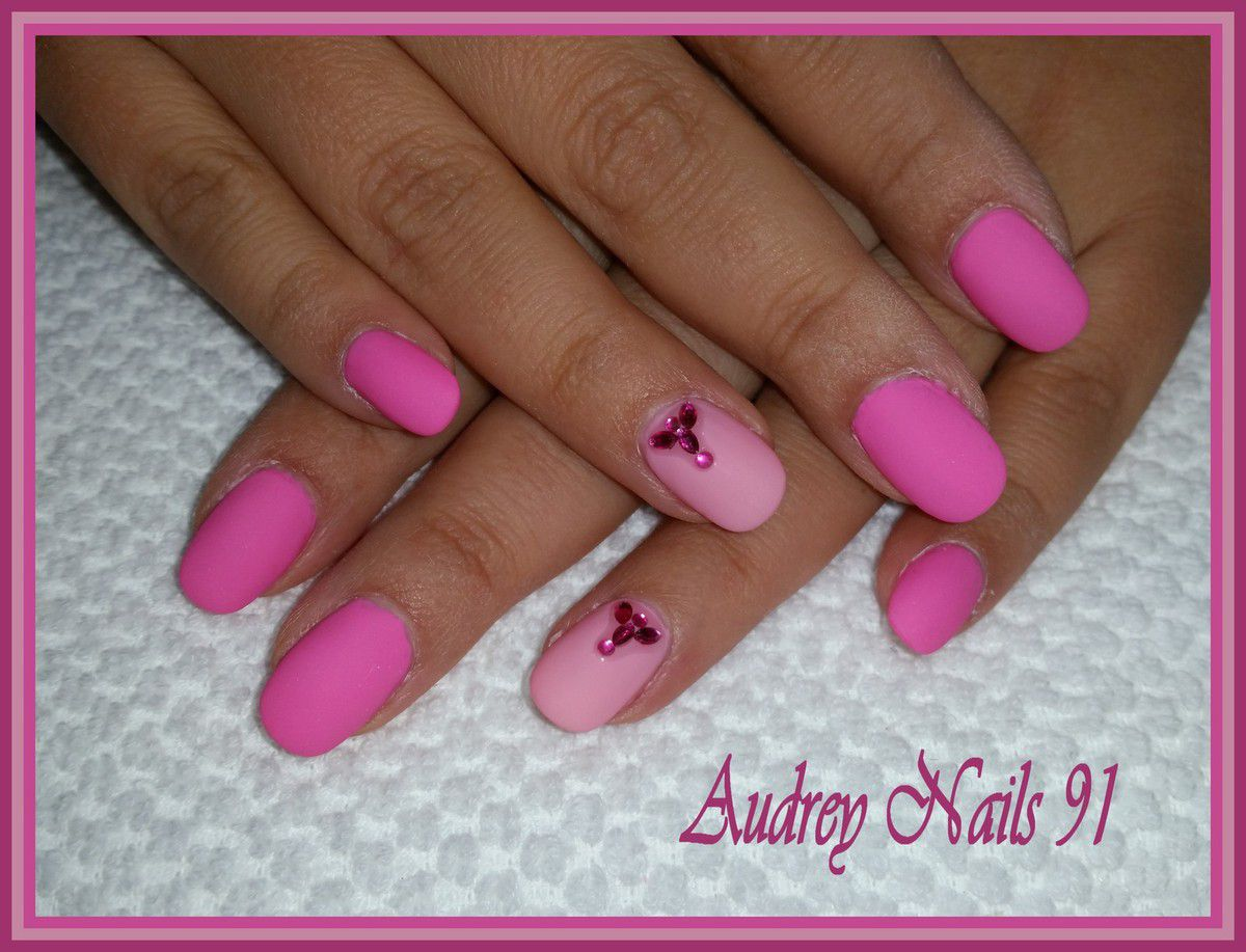 Gel de couleur rose barbie + rose pastel finition mat