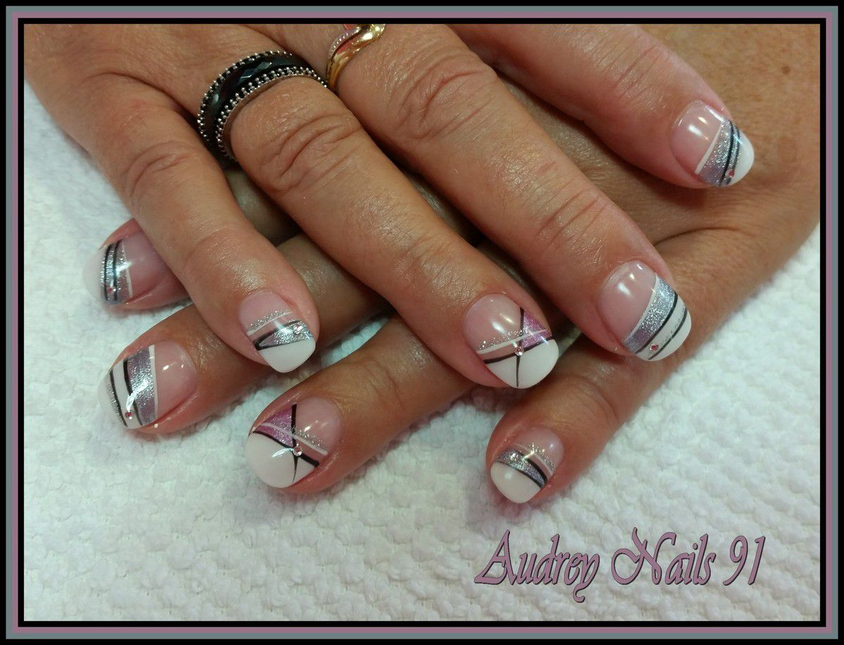Deco ongle french blanche fashion designs - Deco french manucure ...