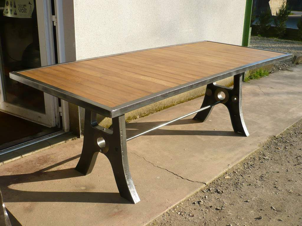 8 grandes tables fer bois geonancy design for Pietement de table design