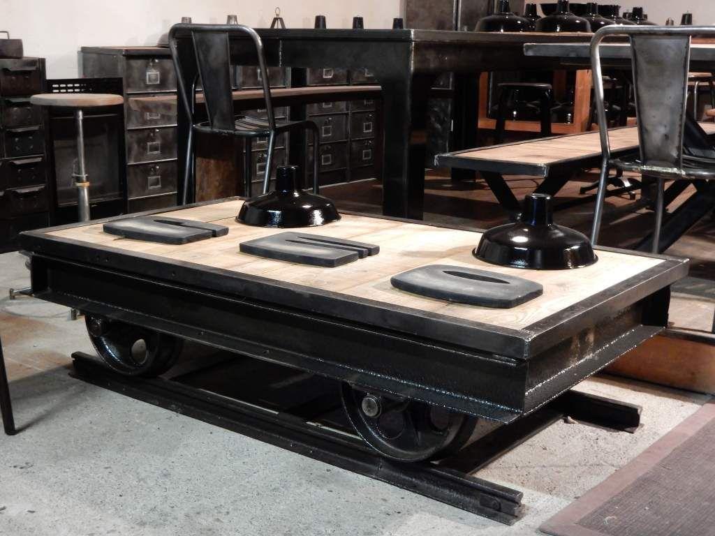 table basse wagonnet ancien plateau bois geonancy design. Black Bedroom Furniture Sets. Home Design Ideas