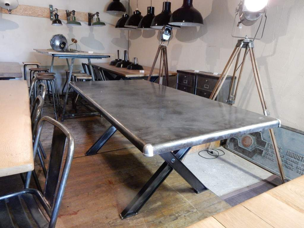 Table industrielle m tal pieds en croix geonancy for Table design 4 pieds