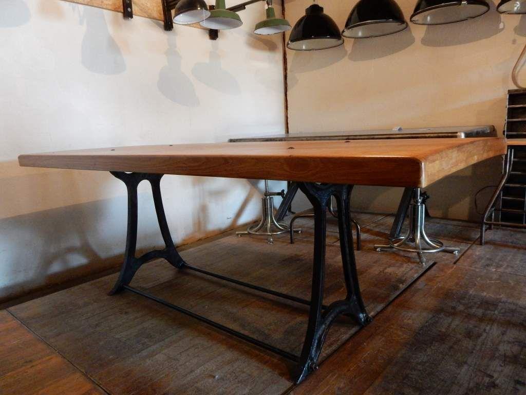 table design pieds en fonte plateau ch ne geonancy design. Black Bedroom Furniture Sets. Home Design Ideas