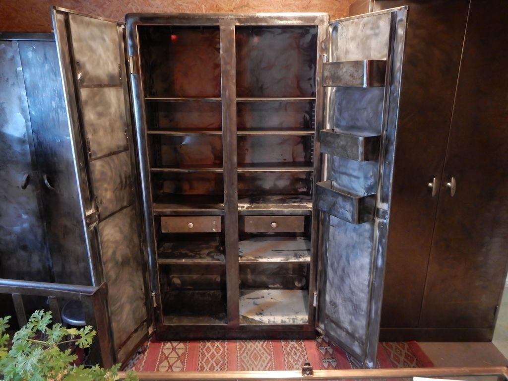 ancienne armoire de cuisine design ann es 30 geonancy design. Black Bedroom Furniture Sets. Home Design Ideas