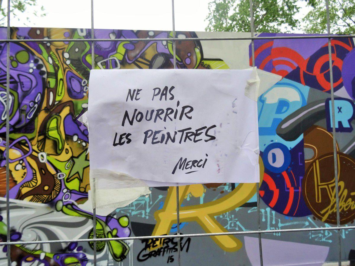 street art sur la place de la République