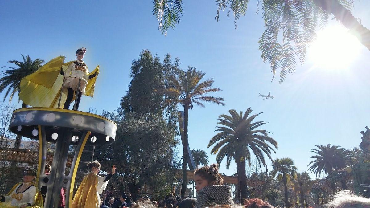 Kaki fleuri au Carnaval de Nice ! (look à 41 euros)