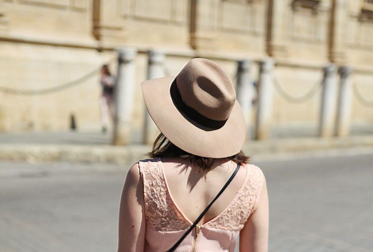 - Une robe rose pâle pour le printemps !