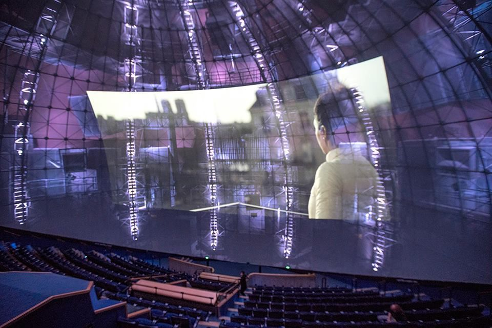 Etalonner un film pour une projection grand format (La géode à Paris)