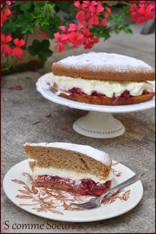 Gâteau moelleux à la compotée de questches, chantilly au mascarpone