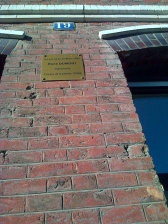 Plaque commémorative sur la maison natale de René Dumont  (Crédit Photo : Mme Monique Wiart Dewavrin)