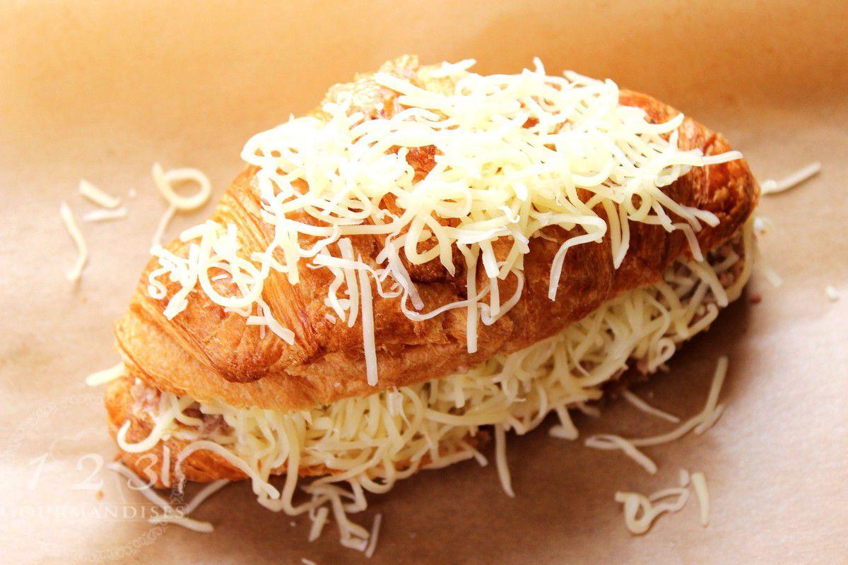 Croissant thon et fromage