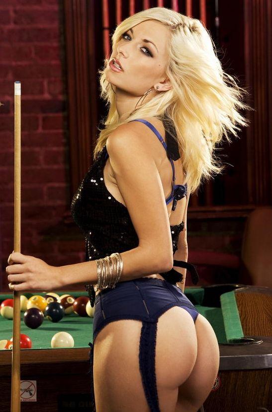 Femme - Blonde - Sexy - Billard - Picture - Free