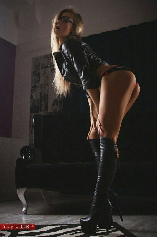 Femme - Blonde - Sexy - Cuissardes - Picture - Free