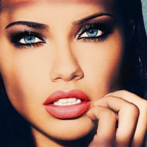 Adriana Lima - Brune - Sexy - Visage - Picture - Free