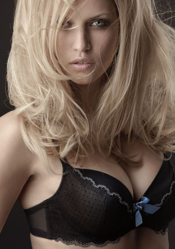 Femme - Blonde - Sexy - Big Tits - Picture - Free