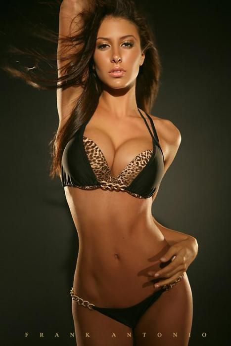 Jennifer  Stano - Femme - Brune - Sexy - Lingerie - Picture - Fre