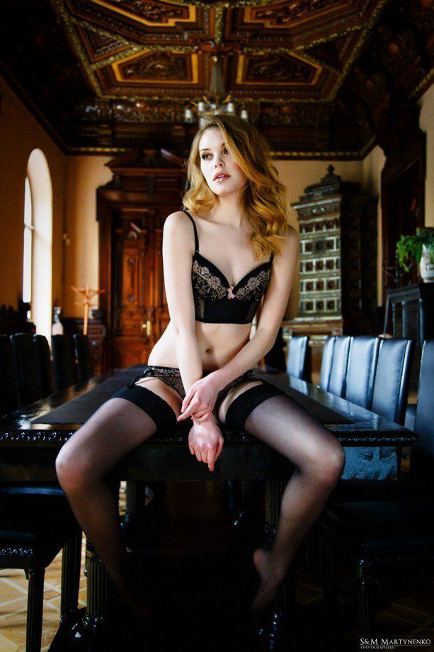Femme - Rousse - Sexy - Lingerie - Picture - Free