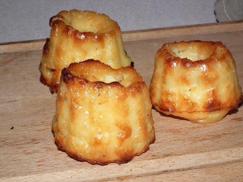 Cannelés salés au kiri et miel