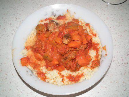 Semoule de couscous au boulettes de boeuf - recette facile