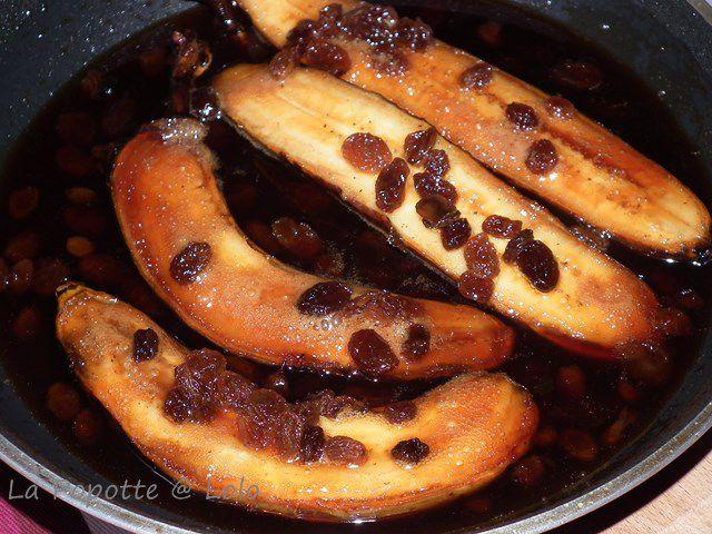 Bananes aux raisins confits et caramel épicé