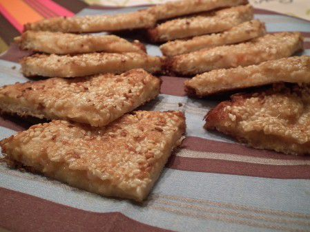 Toasts asiatiques de crevettes et sésames