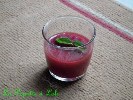 Verrines smoothies betterave / tomate
