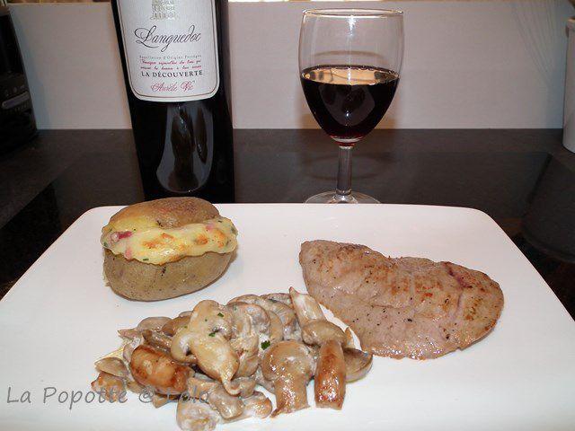 j'ai servi mes pommes de terre avec une escalope de veau et un bon vin de mon  partenaire guyot-vin !