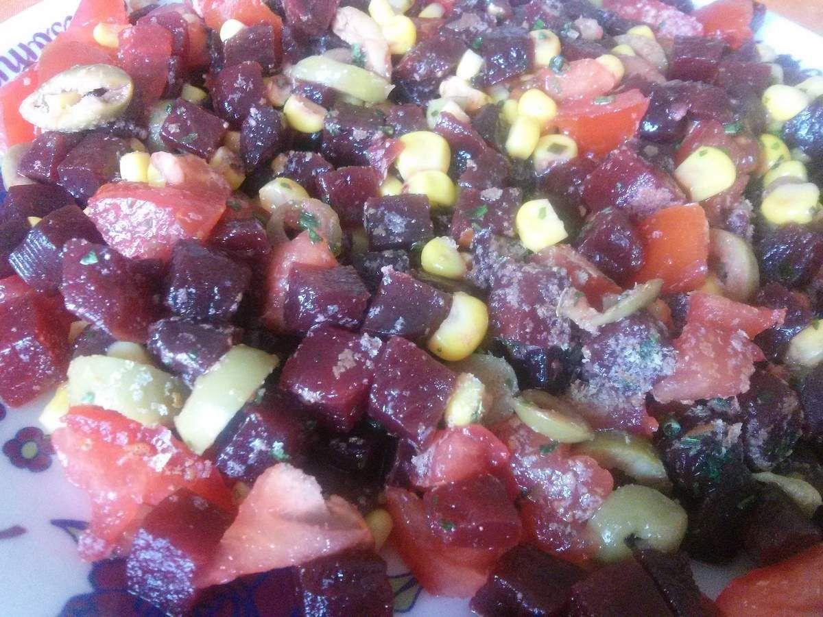Betteraves, maïs, tomate, olives vertes