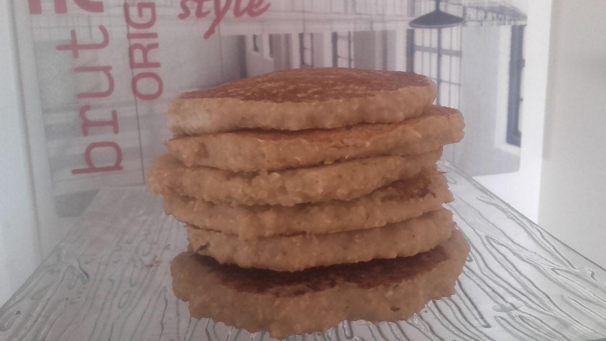 Galettes à l'avoine &amp&#x3B; à la compote façon pancakes