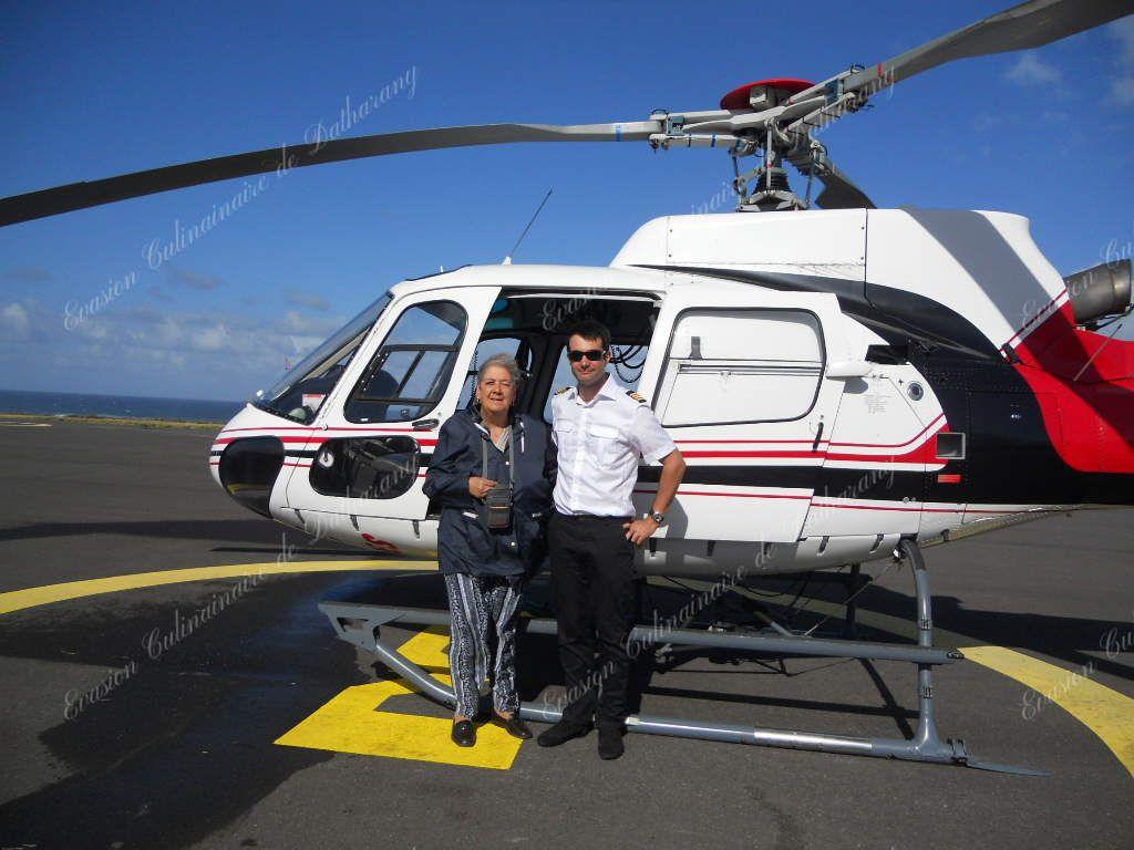 Mamie Andrée et le pilote de Corail Hélicoptères