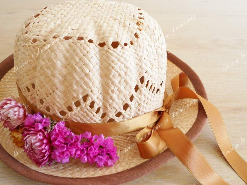 Chapeaux de Paille &amp&#x3B; Fleurs Séchées