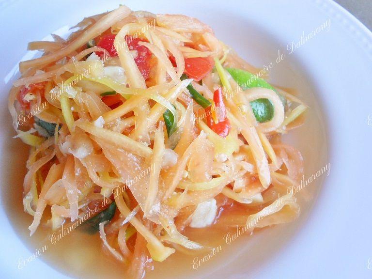 Salade de papaye verte aux piments oiseaux