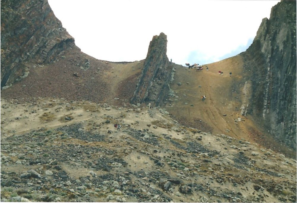La raide descente du col de Pucajirca...