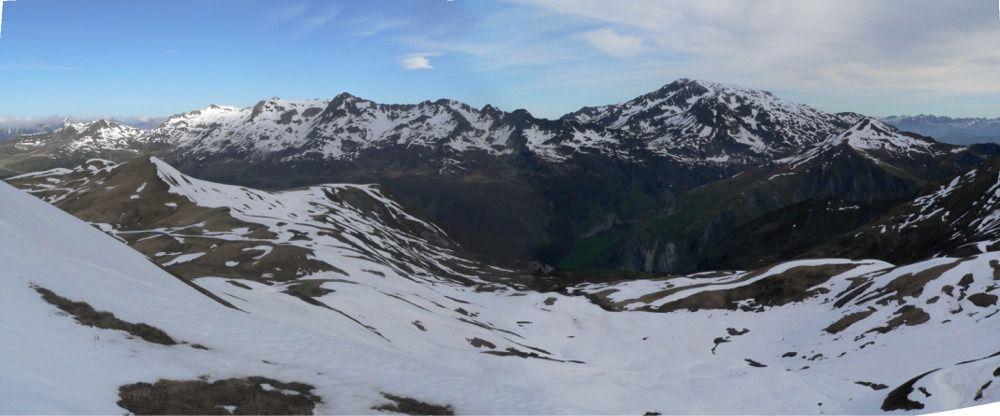 Vue sur le col et le Grand Crétet-au fond le Grand Mont