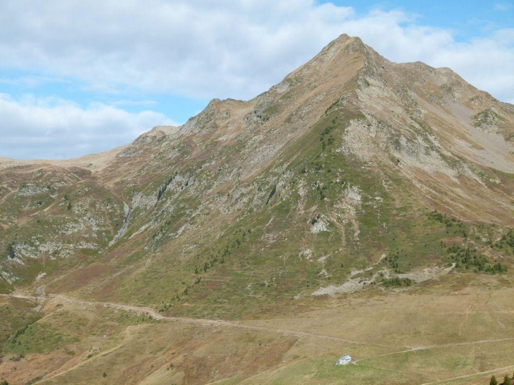Vue sur la Pointe de Lavouet et le chalet du Soufflet