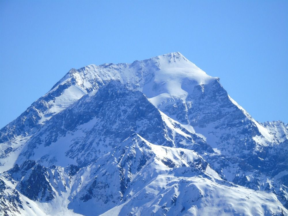 Vue arrière sur la chaine du Mont Pourri et son zoom