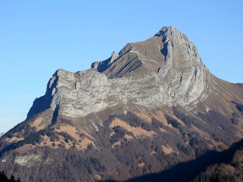 Zoom sur le Mont Trélod