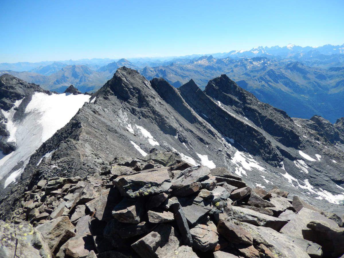 Du sommet vues sur les Pointes Renod
