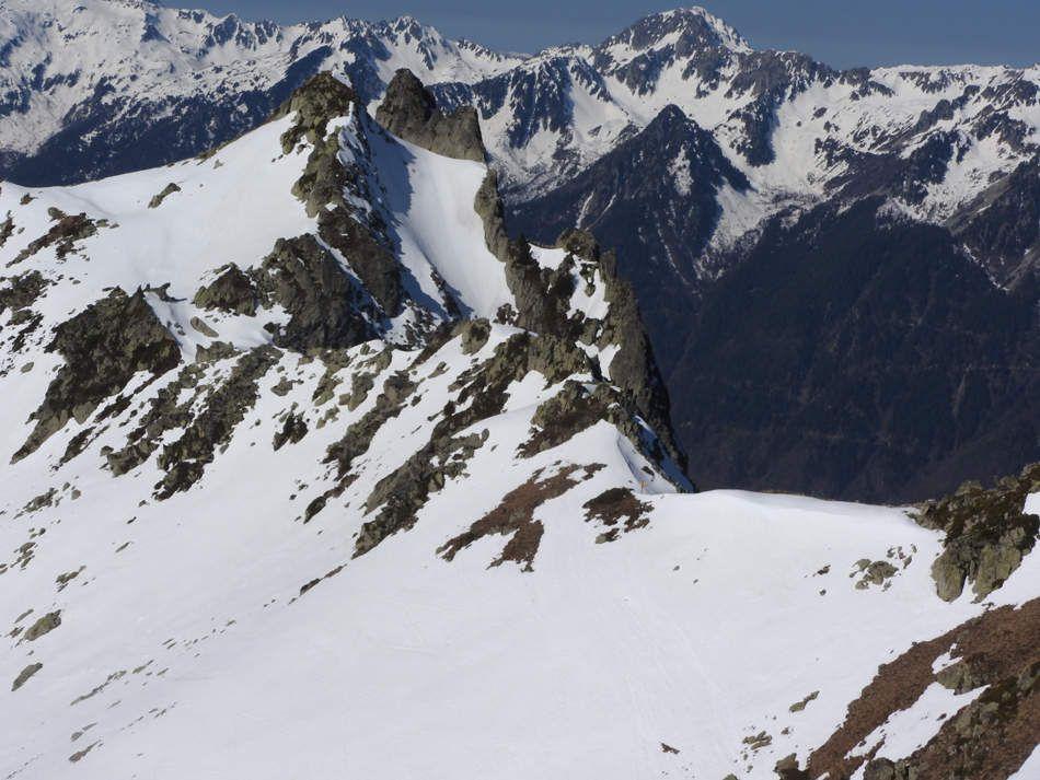 Vue sur Roche Bénite et le Col de Montjoie