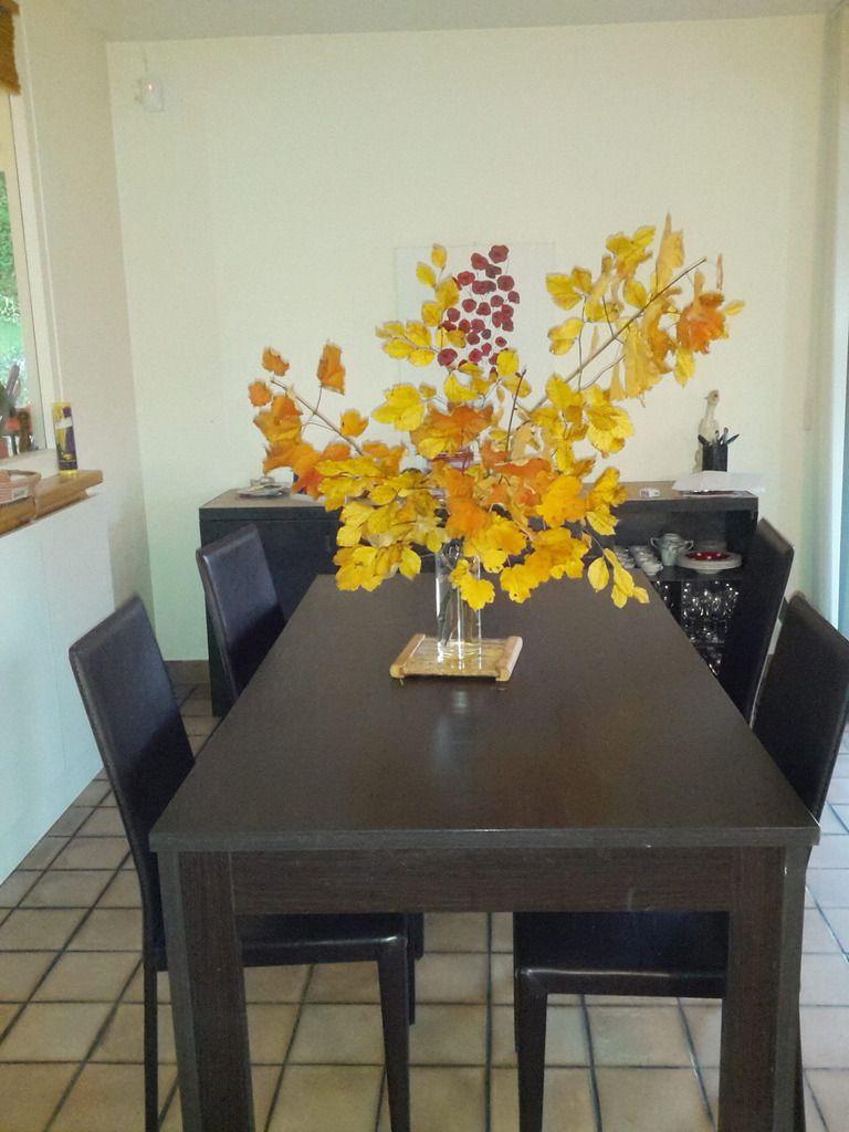 Faire entrer l'automne dans la maison: le bouquet de feuillages.