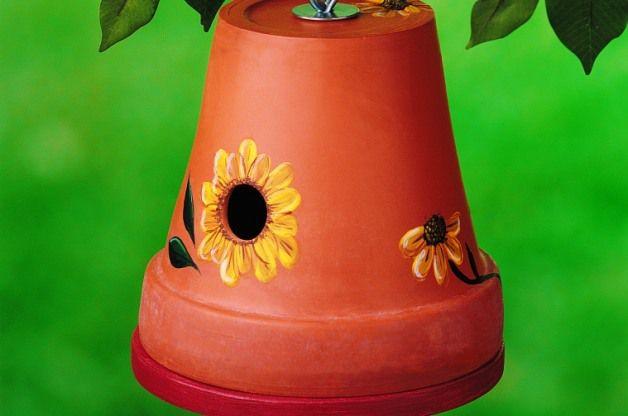 nichoir à oiseaux dans un pot en terre (tutoriel gratuit - DIY)