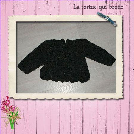 Pull du livre «Tricots chics pour béb» Laine ecoton de bergère de France