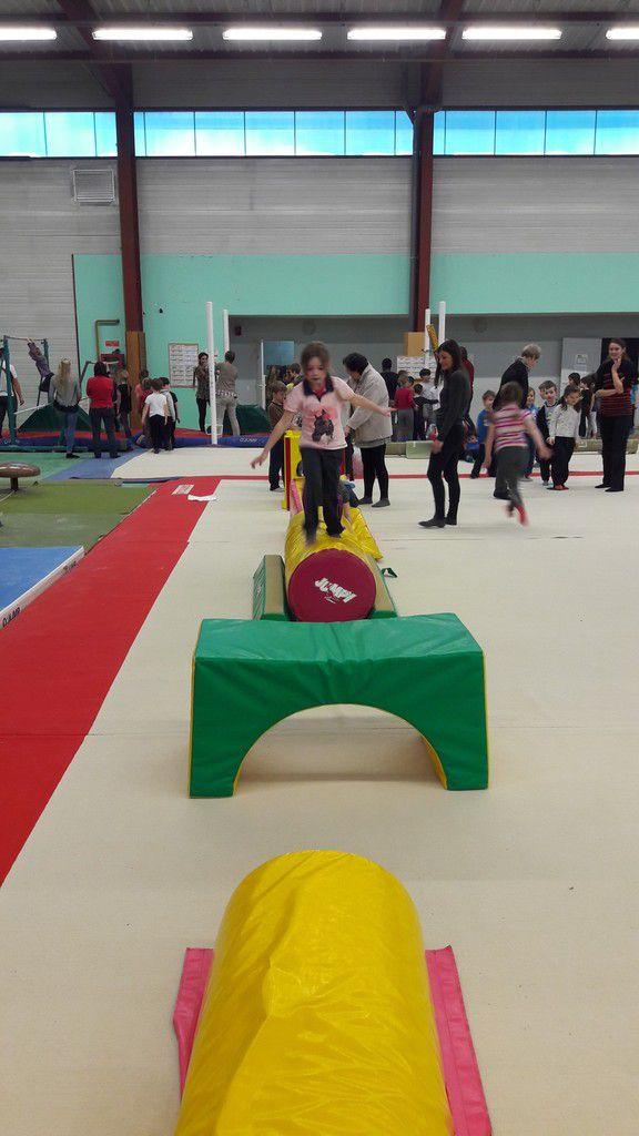 Rencontre UGSEL de Gym pour les CP et CE1