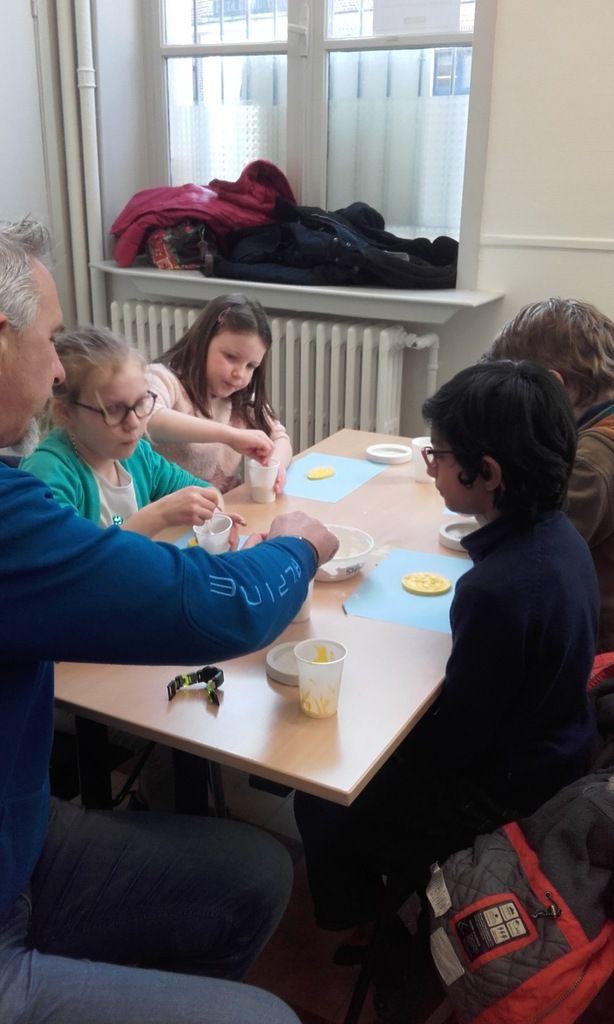 Atelier De Sigillographie animé par la ville de Béthune pour les CE2 de Mme Bastien