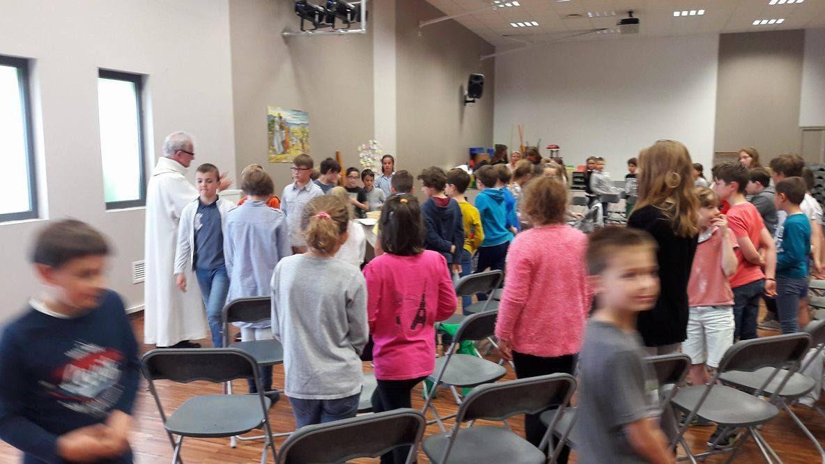 Cérémonie du pardon pour nos futurs premiers communiants et baptisés de la Sainte-Famille