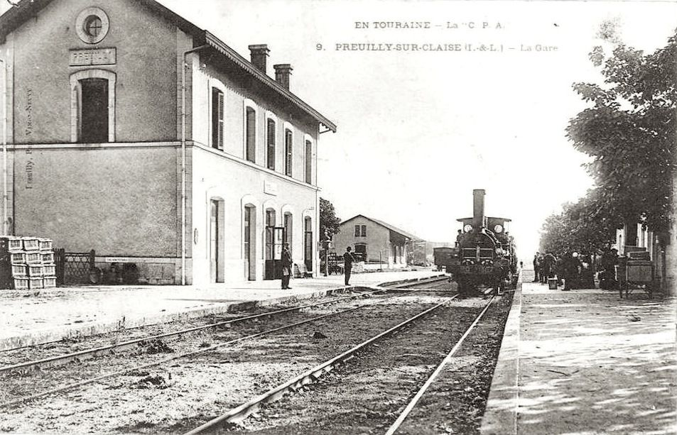 Train en gare de Preuilly vers 1910 (© Vimon-Neuvy CPA)