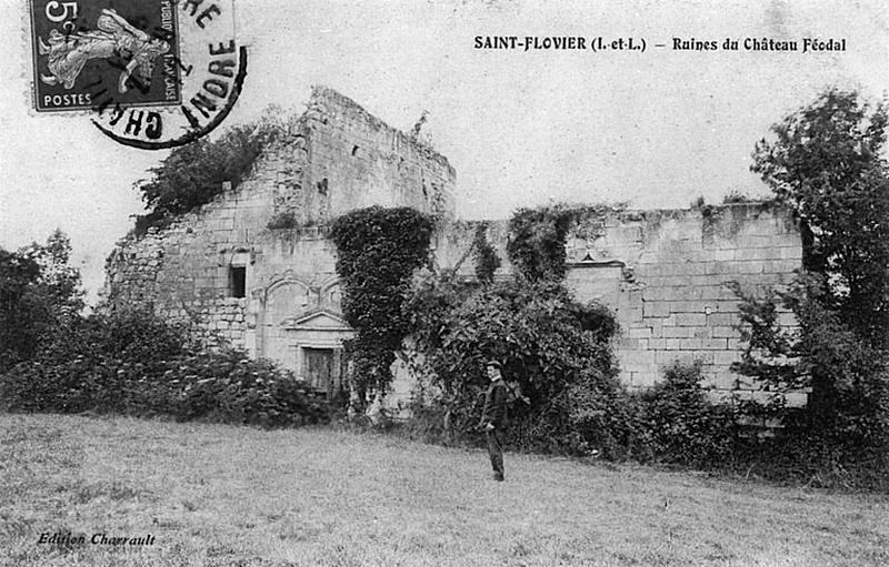 Les ruines du Château féodal du Roulet (St Flovier vers 1900)
