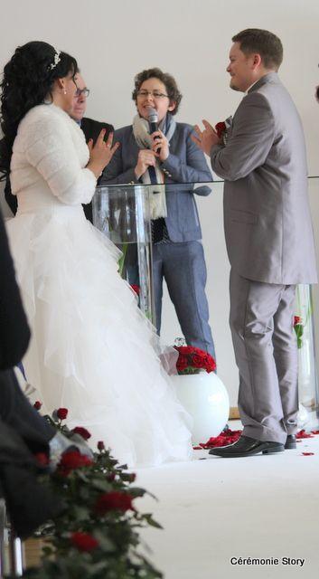 La cérémonie d'engagement d'Aurélia &amp&#x3B; Sébastien : Amour sincère et grande sensibilité