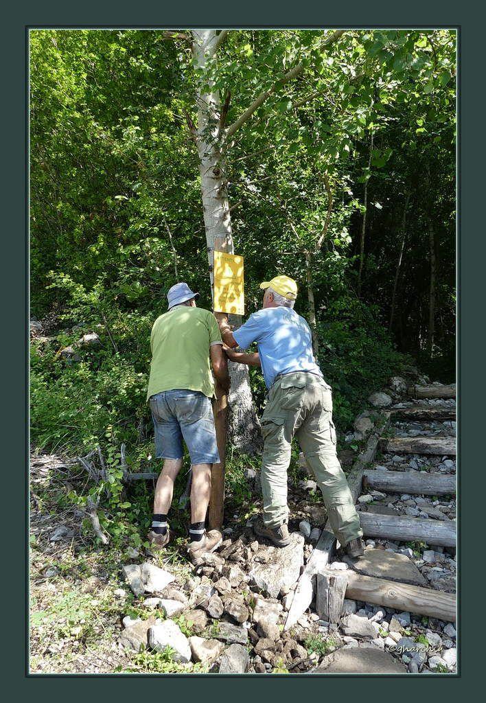 Les survivants du premier poteau plante le deuxième marquant la superbe cascade du Pichu