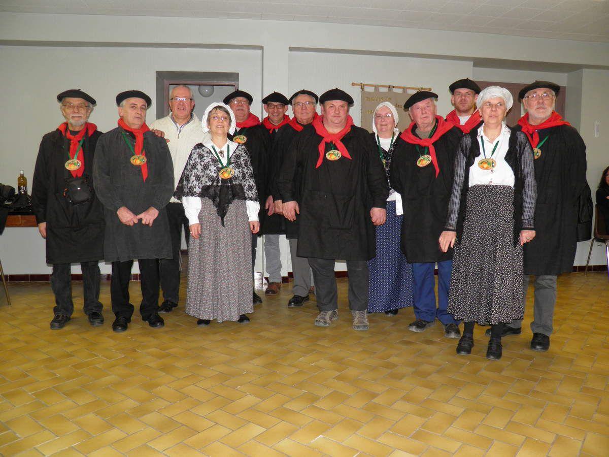 La Confrérie des Fins Goustiers du Haut-Maine et Pail lors de l'assemblée générale de février 2014.